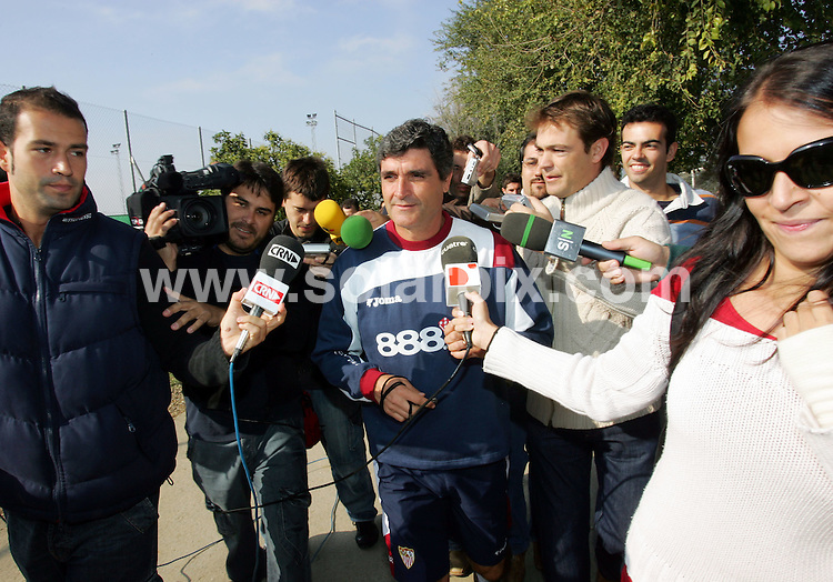 **ALL ROUND PICTURES FROM SOLARPIX.COM**.**UK PUBLICATION ONLY**.JUANDE RAMOS TRAINING IN CITY OF SPORT CIUDAD DE DEPORTIVA IN SEVILLA TODAY.JOB REF:5196- AB1_MCA        DATE:26_10_07.**MUST CREDIT SOLARPIX.COM OR DOUBLE FEE WILL BE CHARGED* *UNDER NO CIRCUMSTANCES IS THIS IMAGE TO BE REPRODUCED FOR ANY ONLINE EDITION WITHOUT PRIOR PERMISSION*