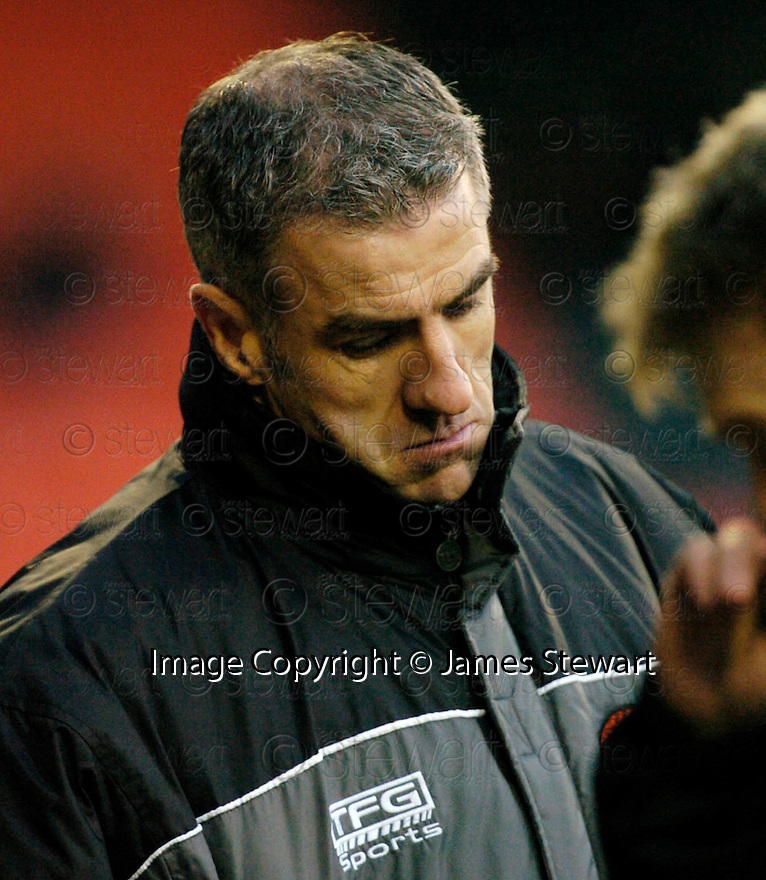 18/02/2006         Copyright Pic: James Stewart.File Name : sct_jspa24_dundee_utd_v_inverness.CRAIG BREWSTER WATCHES HIS SIDE GOING DOWN TO INVERNESS.Payments to :.James Stewart Photo Agency 19 Carronlea Drive, Falkirk. FK2 8DN      Vat Reg No. 607 6932 25.Office     : +44 (0)1324 570906     .Mobile   : +44 (0)7721 416997.Fax         : +44 (0)1324 570906.E-mail  :  jim@jspa.co.uk.If you require further information then contact Jim Stewart on any of the numbers above.........