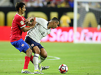 HOUSTON - UNITED STATES, 11-06-2016: Edwin Cardona (Der) jugador de Colombia (COL) disputa el balón con Celso Borges (Izq) jugador de Costa Rica (CRC) durante partido del grupo A fecha 3 por la Copa América Centenario USA 2016 jugado en el estadio NRG en Houston, Texas, USA. /  Edwin Cardona  (R) player of Colombia (COL) fights the ball with Celso Borges (L) player of Costa Rica (CRC)  during match of the group A date 3 for the Copa América Centenario USA 2016 played at NRG stadium in Houston, Texas ,USA. Photo: VizzorImage/ Luis Alvarez /Str