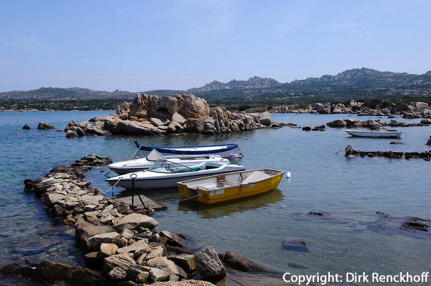Küste zwischen Isola La Maddalena und Isola Caprera, La Maddalena-Archipel (Arcipelago della Maddalena), Provinz Olbia-Tempio, Nord Sardinien, Italien