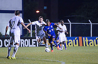 SAO CAETANO DO SUL, SP, 16 FEVEREIRO 2013 - CAMPEONATO PAULISTA - SAO CAETANO X BRAGANTINO -Lancel durante  partida contra o BRAGANTINO em partida valida pelo Campeonato Paulista, no Estadio Anacleto campannela no ABC Paulista, neste domingo. (FOTO: ADRIANO LIMA / BRAZIL PHOTO PRESS).