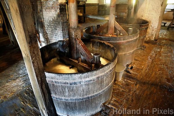 Nederland Arnhem 2015.  Wastobbes in een wasserij in het Nederlands Openluchtmuseum.   Foto Berlinda van Dam / Nederlandse Hoogte