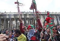 BOGOTÁ - COLOMBIA, 4-12-2019:Paro Nacional.Manifestantes de La guardia Indigena del Cauca y estudiantes universidades públicas de Bogotá en la Plaza de Bolívar/<br /> National strike. Protesters of the Indigenous Guard of Cauca and students public universities of Bogotá in the Plaza de Bolívar. Photo: VizzorImage / Felipe Caicedo / Satff