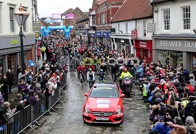 Pictures by SWpix.com - 29 /04/2016 - Cycling - Tour de Yorkshire Day 1 - Stage 1 - England - Mens Race - Beverley to Settle - Beverley to Settle<br />