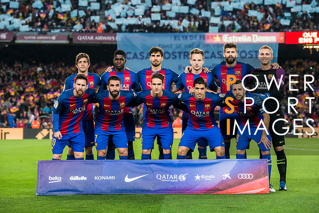 Players of FC Barcelona line up and pose for photos during their Copa del Rey 2016-17 Semi-final match between FC Barcelona and Atletico de Madrid at the Camp Nou on 07 February 2017 in Barcelona, Spain. Photo by Diego Gonzalez Souto / Power Sport Images
