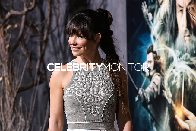 "HOLLYWOOD, CA - DECEMBER 02: Actress Evangeline Lilly arrives at the Los Angeles Premiere Of Warner Bros' ""The Hobbit: The Desolation Of Smaug"" held at Dolby Theatre on December 2, 2013 in Hollywood, California. (Photo by Xavier Collin/Celebrity Monitor)"