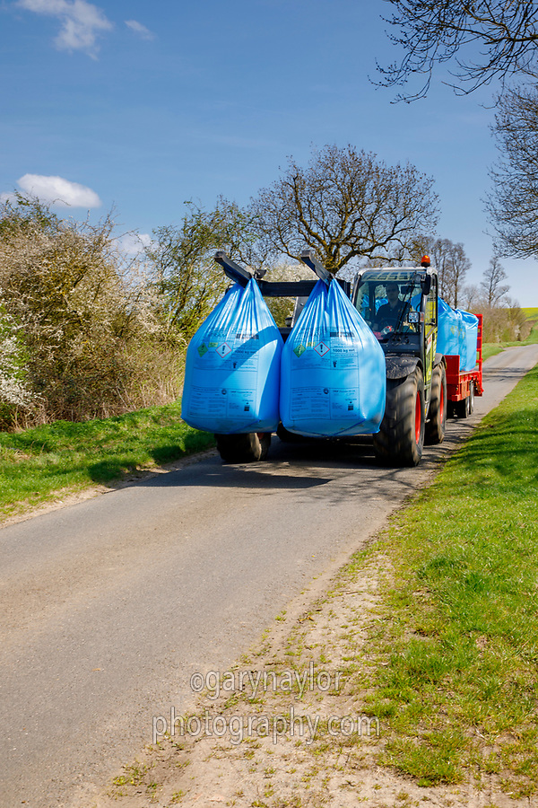 Transporting nitrogen in bags - Northamptonshire, April