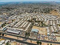 Vista aerea del bulevar Morelos final en el norte de Hermosillo. Agencia de Autos Kia. Kia Morelos. KIA. Residencial Palermo. Casas y fraccionamiento. <br /> (Photo: Luis Gutierrez / NortePhoto)<br /> ...<br /> keywords: dji, a&eacute;rea, djimavic, mavicair, aerial photo, aerial photography, Paisaje urbano, fotografia a&eacute;rea, foto a&eacute;rea, urban&iacute;stico, urbano, urban, plano, arquitectura, arquitectura, dise&ntilde;o, dise&ntilde;o arquitect&oacute;nico, arquitect&oacute;nico, urbe, ciudad, capital, luz de dia, dia urbe, ciudad, Hermosillo, outdoor,