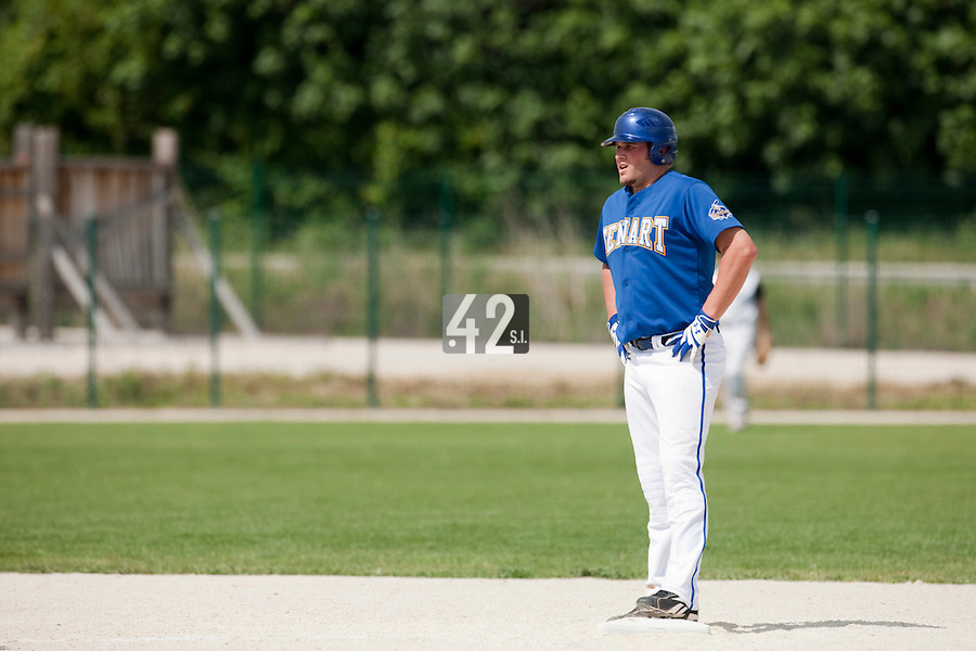 22 May 2009: Rhett Teller of Senart is seen at second base on offense during the 2009 challenge de France, a tournament with the best French baseball teams - all eight elite league clubs - to determine a spot in the European Cup next year, at Montpellier, France. Senart wins 7-1 over Montpellier.