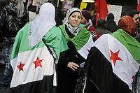 Roma, 14 Gennaio 2012.Manifestazione nazionale contro il razzismo, per il permesso di soggiorno e l'accoglienza..Ragazze siriane
