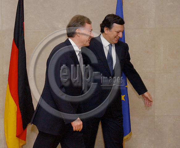 Brussels-Belgium - January 18, 2005---The President of the Federal Republic of Germany, Prof. Dr. Horst KOEHLER (Köhler) (le), pays a two-days visit to the European Institutions in Brussels; here, the meeting with the President of the European Commission, Jose (José) Manuel BARROSO (ri), in the Berlaymont, Headquarters of the EC---Photo: Horst Wagner/eup-images