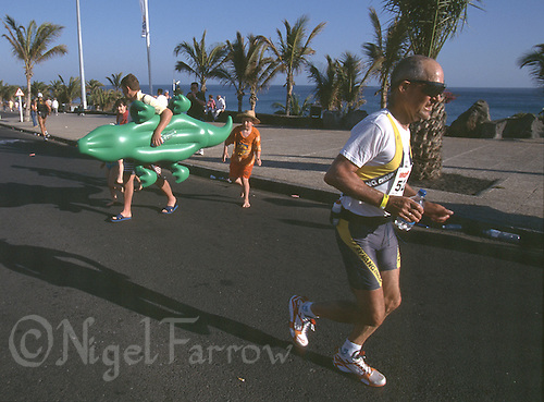 26 MAY 2001- LANZAROTE, CANARY ISLANDS - Ironman Lanzarote '01. (PHOTO (C) NIGEL FARROW)