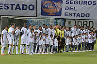 BOGOTÁ -COLOMBIA-20-04-2014. Aspecto del partido entre Fortaleza FC y Deportivo Pasto por la fecha 18 de la Liga Postobón I 2014 jugado en el estadio Metropolitano de Techo en Bogotá./ Aspect of the match between Fortaleza FC and Deportivo Pasto for the 18th date of Postobon League I 2014 played at Metropolitano de Techo stadium in Bogota. Photo: VizzorImage / Gabriel Aponte / Staff