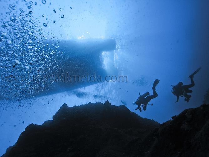 divers, ocean, boat, underwater