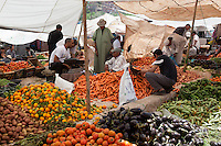 Marokko, Region Marrakesch-Tensift-El Haouz, Souk Tnine de l'Ourika im Ourika-Tal: montags ist Berber-Markt | Morocco, Region Marrakesh-Tensift-El Haouz, Souk Tnine de l'Ourika at Ourika-Valley: Monday Berber market