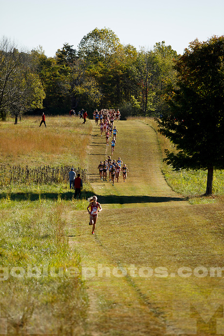 Michigan runners compete at the Sam Bell Invitational at Indiana University in Bloomington, Indiana on Saturday, Sept. 30, 2017. (Photo by James Brosher)