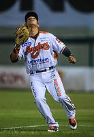 Efren Navarro de Naranjeros corre por la tercera base, durante la apertura de la temporada de beisbol de la Liga Mexicana del Pacifico 2017 2018 con el partido entre Naranjeros vs Yaquis. 11 octubre2017 . <br /> (Foto: Luis Gutierrez /NortePhoto.com)