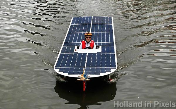 Nederland -  Purmerend - 23 juni  2018.  Solar Sport One race competitie. Wereldkampioenschap Solar Boat racen. De winnaar in Purmerend: Clafis Victron Energy Solar Boat Team.     Foto Berlinda van Dam Hollandse Hioogte