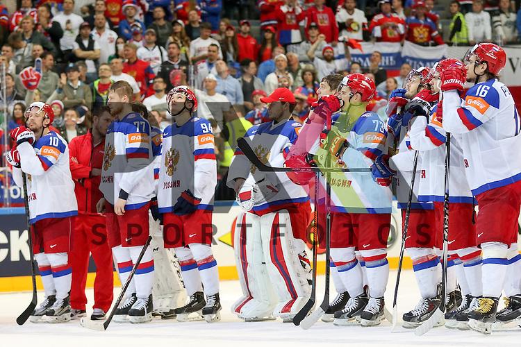 Team Russia nach dem Spiel IIHF WC15 Finale Russia vs. Canada die Cermony Gold.<br /> <br /> Foto &copy; P-I-X.org *** Foto ist honorarpflichtig! *** Auf Anfrage in hoeherer Qualitaet/Aufloesung. Belegexemplar erbeten. Veroeffentlichung ausschliesslich fuer journalistisch-publizistische Zwecke. For editorial use only.