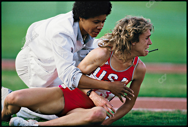 Mary Decker, the favored American runner after falling in the women's 3000m final at the Summer Olympics. Los Angeles, California, USA, August 10, 1984