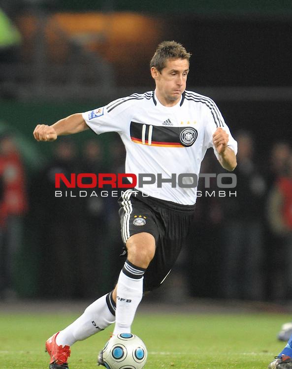 Fussball, L&auml;nderspiel, WM 2010 Qualifikation Gruppe 4  14. Spieltag<br />  Deutschland (GER) vs. Finnland ( FIN ) 1:1 ( 0:1 )<br /> <br /> Miroslav Klose ( GER /  Bayern #11) <br /> <br /> Foto &copy; nph (  nordphoto  )