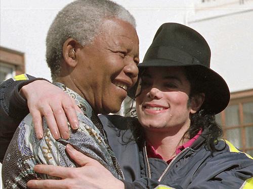 Nelson Mandera y Michael Jackson.