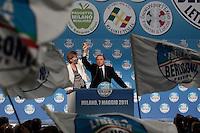 Milano: Silvio Berlusconi e Letizia Moratti sul palco del Palasharp per la campagna elettorale per l'elezione del sindaco di Milano.