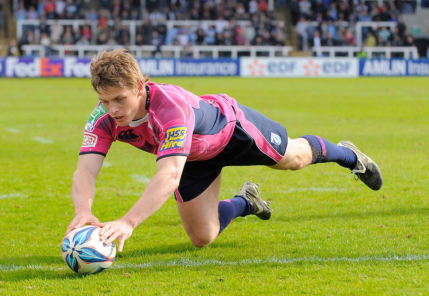 Cardiff's Ben Blair scores his try..Photo: Richard Lee/Richard Lane Photography. Newcastle Falcons v Cardiff Blues. Amlin Challenge Cup Quarter Final. 11/04/2010.