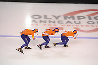 SPEEDSKATING: CALGARY: Olympic Oval, 02-12-2017, ISU World Cup, Team Pursuit Ladies, Lotte van Beek (NED), Antoinette de Jong (NED), Marrit Leenstra (NED), ©photo Martin de Jong