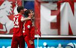 Nederland, Enschede, 18 oktober 2015<br /> Eredivisie<br /> Seizoen 2015-2016<br /> FC Twente-N.E.C. (1-0)<br /> Peet Bijen van FC Twente schreeuwt het uit van vreugde nadat hij het winnende doelpunt heeft gemaakt. Links Jari Oosterwijk van FC Twente
