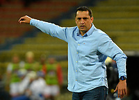 MEDELLÍN-COLOMBIA, 10-10-2019: Aldo Bobadilla, técnico de Deportivo Independiente Medellín, durante partido de la fecha 16 entre Deportivo Independiente Medellín y Cúcuta Deportivo, por la Liga Águila II 2019, en el estadio Atanasio Girardot de la ciudad de Medellín. / Aldo Bobadilla, coach of Deportivo Independiente Medellin, during a match for the 16th date between Deportivo Independiente Medellin and Cucuta Deportivo, for the Aguila Leguaje II 2019 at the Atanasio Girardot stadium in Medellin city. / Photo: VizzorImage  / León Monsalve / Cont.