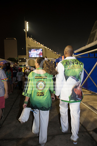 Imperatriz Samba School, Carnival, Rio de Janeiro, Brazil, 26th February 2017. Two members of the Impreatriz Leopoldinense team at the end of the parade.