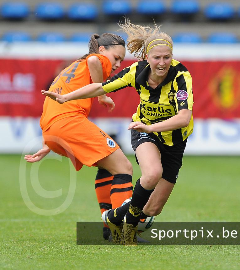 Bekerfinale vrouwen 2015 : Lierse-Club Brugge Vrouwen <br /> <br /> Merel Groenen (R) wringt zich voorbij Jassina Blom (L)<br /> <br /> foto VDB / BART VANDENBROUCKE