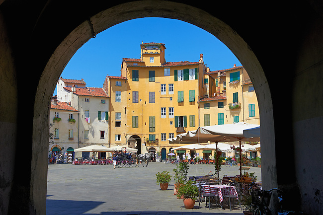 Piazza dell'Anfiteatro inside the ancinet Roman ampitheatre of Lucca, Tunscany, Italy