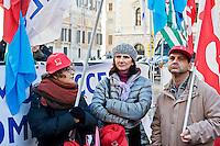 Roma 30 Novembre 2013<br /> Manifestazione dei sindacati della scuola davanti alla Camera dei deputati, contro  legge di stabilit&agrave;, che ha bloccato il rinnovo del contratto scaduto nel 2007 e gli scatti di anzianit&agrave;. <br /> Rome November 30, 2013<br /> Demostration  of the trade unions of the school in front of the Chamber of Deputies, against the stability law, which has blocked the renewal of the contract expired in 2007 and  long service bonus