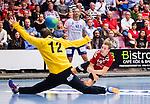 Eskilstuna 2014-10-03 Handboll Elitserien Eskilstuna Guif - Alings&aring;s HK :  <br /> Eskilstuna Guifs Daniel Pettersson g&ouml;r ett m&aring;l bakom Sk&ouml;vdes m&aring;lvakt Joakim Svensson <br /> (Foto: Kenta J&ouml;nsson) Nyckelord:  Eskilstuna Guif Sporthallen IFK Sk&ouml;vde HK