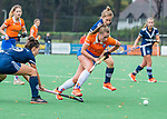 BLOEMENDAAL  - Myrthe van Kesteren (Bldaal)    tijdens de hoofdklasse competitiewedstrijd vrouwen , Bloemendaal-Pinoke (1-2) . COPYRIGHT KOEN SUYK