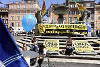 Roma,10 Giugno 2011.piazza S.Maria in Trastevere.I comitati referendari contro il nucleare e per l'acqua pubblica chiudono con una conferenza stampa la campagna per il si