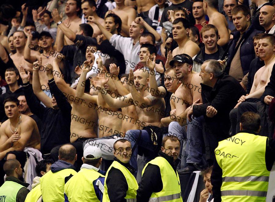 Kosarka, NLB Liga, season 2006/07Crvena Zvezda Vs. PartizanGrobari, Partizan fans, navijaciBeograd, 04.02.2007.FOTO: Srdjan Stevanovic
