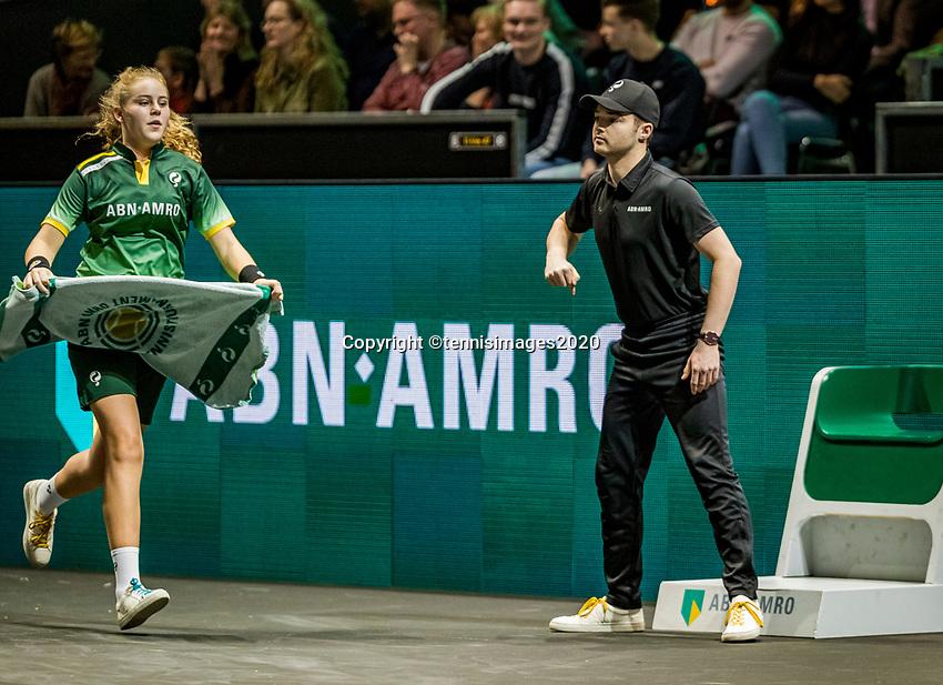 Rotterdam, The Netherlands, 16 Februari 2020, ABNAMRO World Tennis Tournament, Ahoy,<br /> Mens Single Final:  ballgirl brings towel and passes linesman<br /> Photo: www.tennisimages.com
