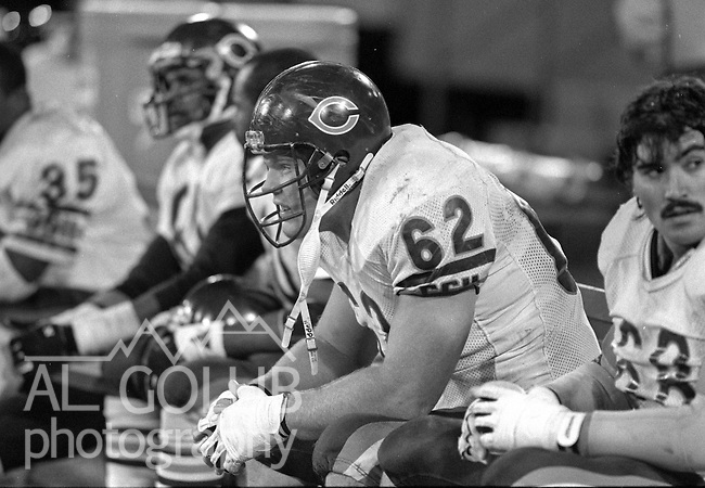 San Francisco 49ers vs Chicago Bears at Candlestick Park Monday, December 14, 1987..49ers Beat Bears 41-0.Chicago Bears Guard Mark Bortz (62..