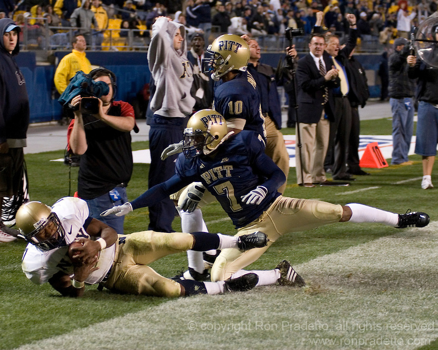 Navy running back Reggie Campbell scores on a 25-yard touchdown reception in overtime.  The Navy Midshipmen beat the Pitt Panthers 48-45 in double overtime on October 10, 2007 at Heinz Field, Pittsburgh, Pennsylvania.