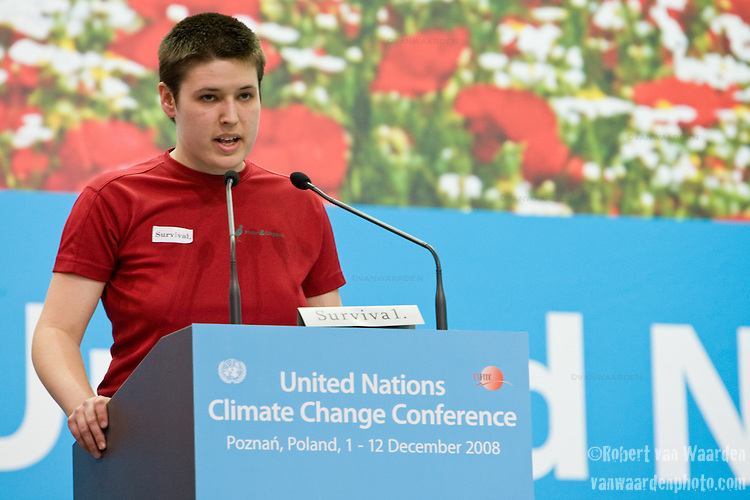 Ms. Eline Crossland from Denmark speaks on behalf of the International Youth Delegates during the High Level segment at the UN. UNFCCC COP 14 (©Robert vanWaarden ALL RIGHTS RESERVED)
