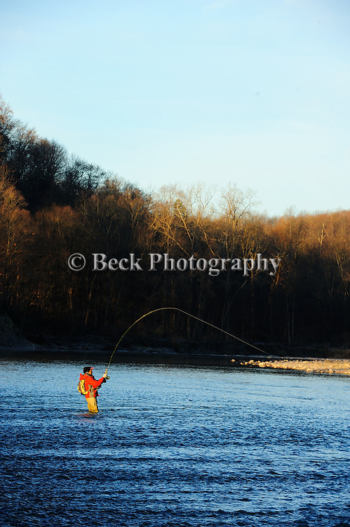 FLY FISHING FOR STEELHEAD CATTARAUGUS CREEK IN NEW YORK WITH A SWITCH ROD