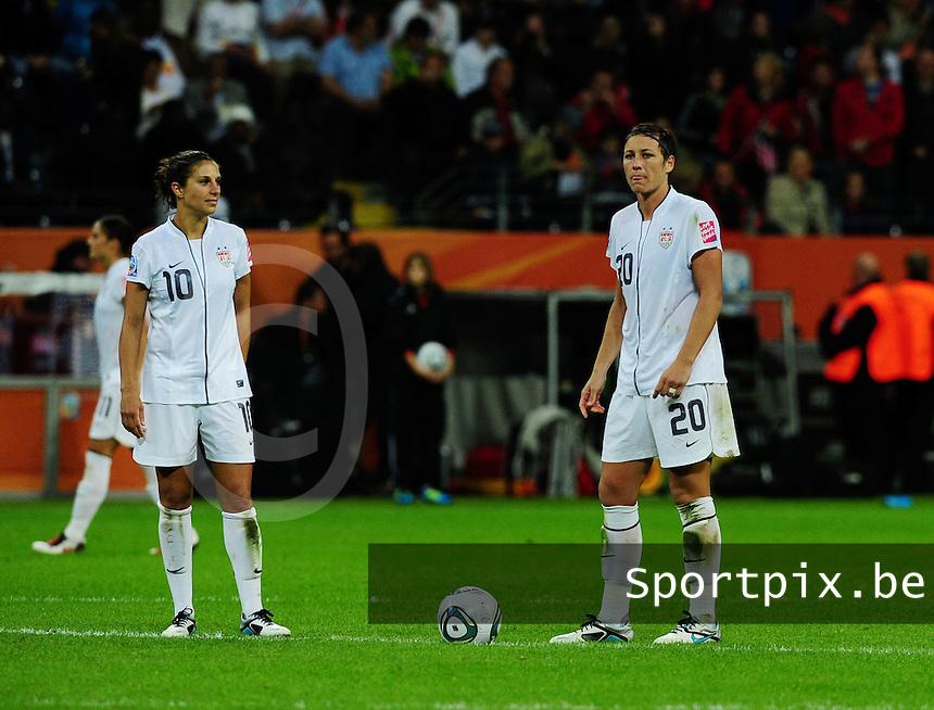 Fifa Women's World Cup Germany 2011 : Japan - USA  at Commerzbank Arena Frankfurt : Carli Lloyd en Abby Wambach aan de aftrap.foto DAVID CATRY / Vrouwenteam.be