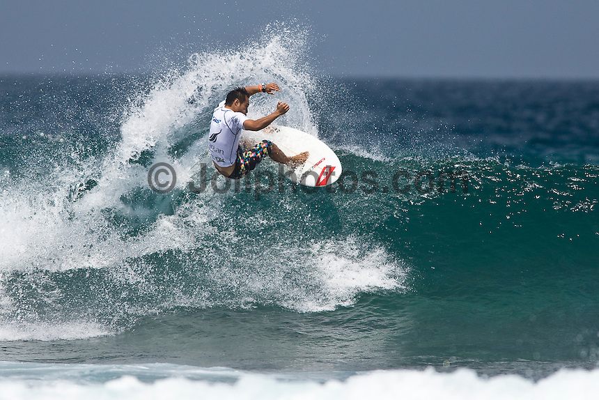 MASATOSHI OHNO (JPN) surfing in the WQS 6 star prime SRI LANKAN AIRLINES PRO, Pasta Point, Maldives (Monday, June 8th, 2009). Photo: joliphotos.com