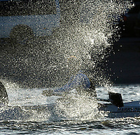 PUTNEY, LONDON, ENGLAND, 05.03.2006, Molesey BC's Richard Ockenden with a reversed blade, Pre 2006 Boat Race Fixtures,.   © Peter Spurrier/Intersport-images.com..CUBC, Bow Luke Walton, No. 2 Tom Edwards, No.3 Sebastian Thormann, No 4. Thorsten Englemann, No.5 Sebastian Schulte, No.6 Kieran West, No.7 Tom James, stroke Kip McDaniel and cox Peter Rudge...OUBC, Bow Robin Esjmond-Frey, No.2 Colin Smith, No.3 Jake Wetzel, No.4 Paul Daniels, No.5 James Schroeder. No.6 Barney Williams, No. 7 Tom Parker, stroke Bastien Ripoll, and cox Nick Brodie,..[Mandatory Credit Peter Spurrier/ Intersport Images] Varsity Boat Race, Rowing Course: River Thames, Championship course, Putney to Mortlake 4.25 Miles Sunrise, Sunsets, Silhouettes