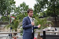 BRUNO JULLIARD, PREMIER ADJOINT A LA MAIRE DE PARIS - BRUNO JULLIARD PRESENTE LES NOUVEAUTES DE L'EDITION 2017 DE PARIS PLAGES A LA PENICHE VEDETTES DE PARIS, CAP PONT MARIE, PARIS, FRANCE, LE 24/05/2017.