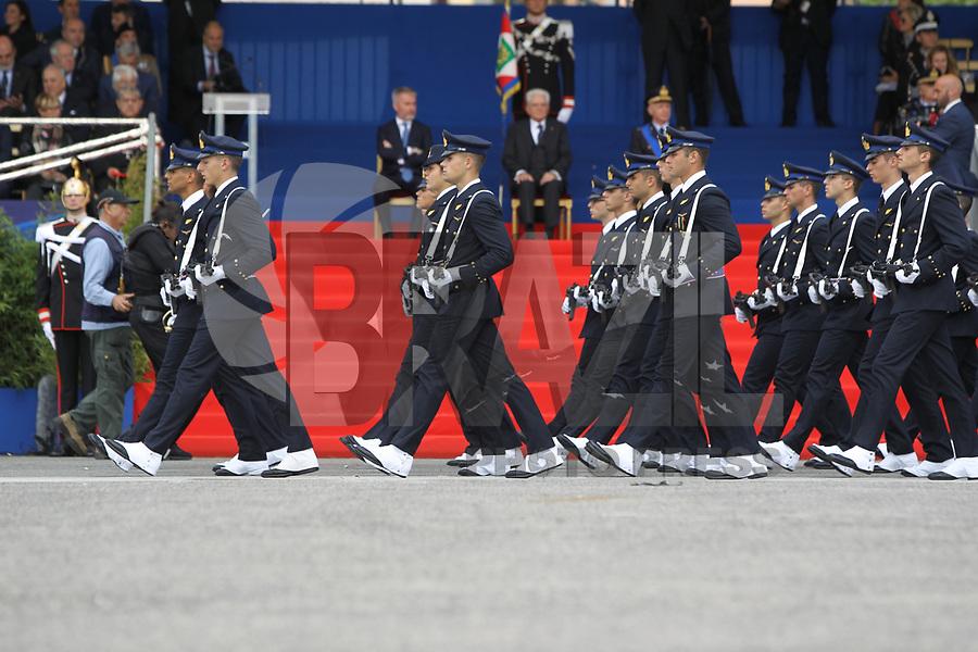 NAPOLI, ITALIA, 04.11.2019 - FORÇA-ARMADA - Desfile em comemoração ao dia das Forças Armadas de Napoli na Italia. (Foto: Salvatore Esposito/Brazil Photo Press)