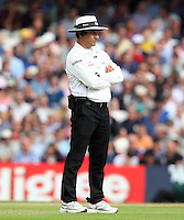 Umpire Aleem Dar - England vs Australia - 2nd day of the 5th Investec Ashes Test match at The Kia Oval, London - 22/08/13 - MANDATORY CREDIT: Rob Newell/TGSPHOTO - Self billing applies where appropriate - 0845 094 6026 - contact@tgsphoto.co.uk - NO UNPAID USE